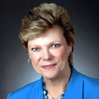 https://valleytownhall.com/wp-content/uploads/2019/04/Cokie-Roberts-320x320.jpeg